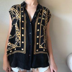 Equipment sleeveless blouse